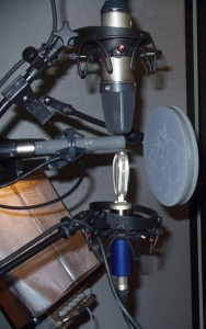 Three microphones cluster